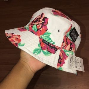 Red Roses Bucket Hat